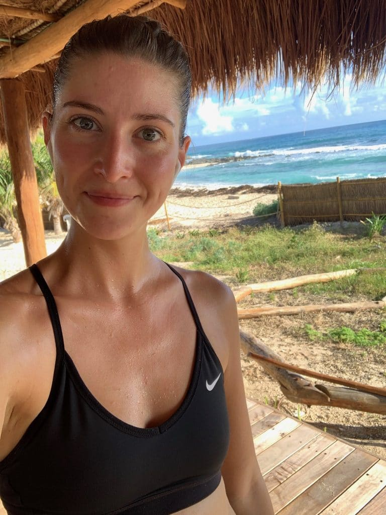 chelsea selfie after taking an outdoor obe yoga class